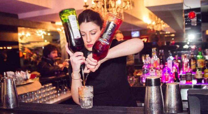 Barlady Alessia Medio - Bartender Certified